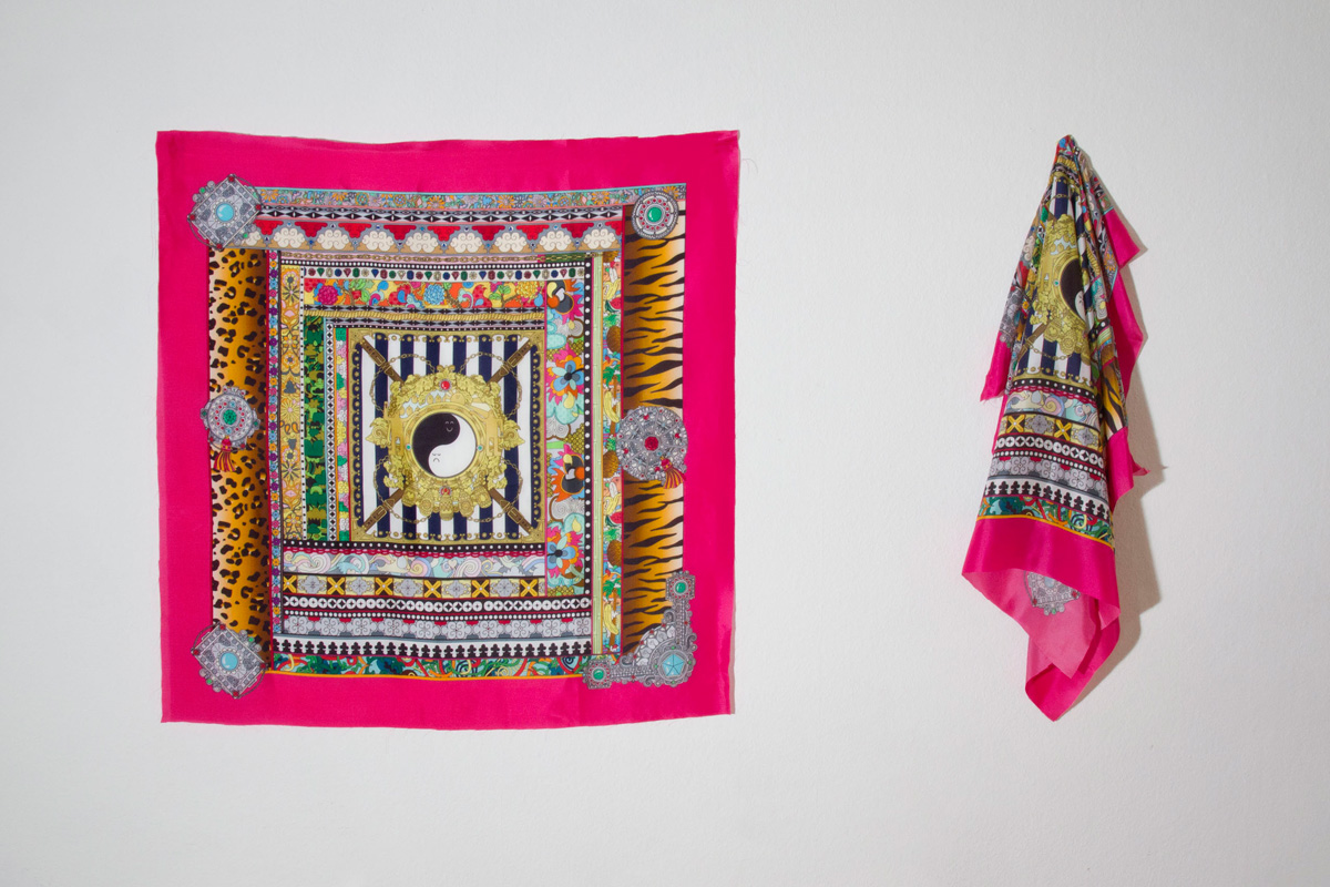 silkscarf_installation1200